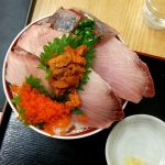 【松戸】【ランチ】駅近でデカネタ海鮮丼『お食事処 築地』で日替わり丼を食べてきました